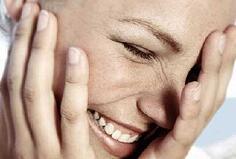 women laughing2